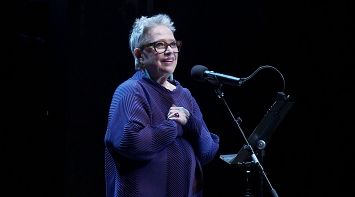 Kathy Bates and William Repicci speak out for LE and LD on Broadway stage thumbnail Photo