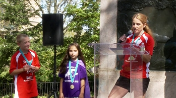 Jen Looby - Keynote Speech at LE&RN's 2016 Brooklyn Bridge Walk thumbnail Photo
