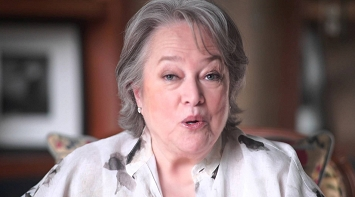 Kathy Bates - LE&RN Walk - NYC - 2015 thumbnail Photo