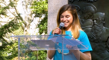 Nicole Faccio Receives the Advocate Award - LymphWalk NYC 2017 thumbnail Photo